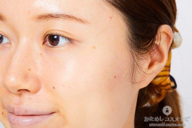 『SPA CO2ゼリー』を洗い流した後の女性の横顔